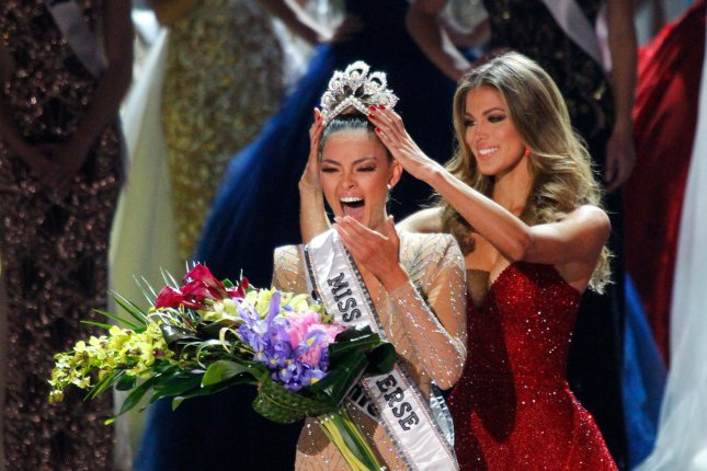 Miss South Africa, Demi-Leigh Nel-Peters is crowned Miss Universe 2017 by Iris Mittenaere during the 66th Miss Universe pageant competition on November 26 at The Axis at Planet Hollywood in Las Vegas. Photo by James Atoa/UPI