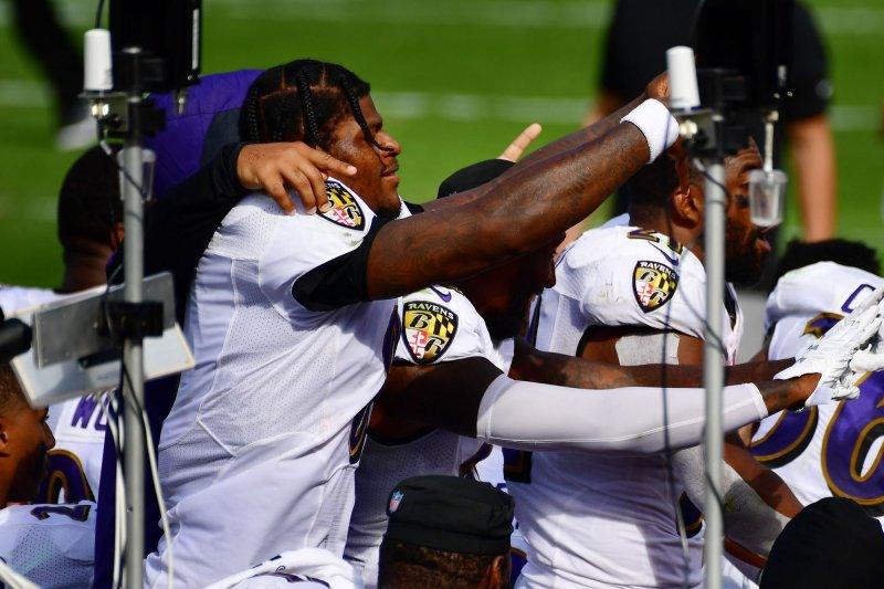 https://cdnph.upi.com/svc/sv/upi/3841600041406/2020/2/b2e8ddce71f807b4232847dbc012cda1/Lamar-Jackson-powers-Ravens-to-blowout-win-over-Browns.jpg