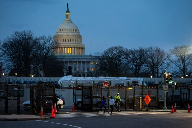 Man arrested with weapon near Capitol; lawmakers request security funding
