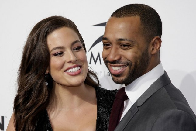 Ashley Graham Wedding.Look Ashley Graham Celebrates 8th Wedding Anniversary With