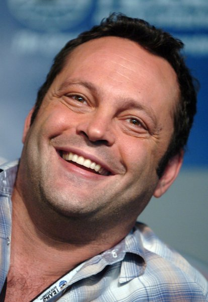 Actor Vince Vaughn speaks to the media prior to theNASCAR Dickies 500 at Texas Motor Speedway in Ft. Worth, TX on November 4, 2007. Vaughn drove the pace car in the event. (UPI Photo/Ian Halperin)