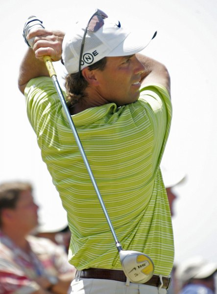 Stephen Ames tees off at the PGA Championship at Southern Hills Country Club in Tulsa, Okla., Aug. 12, 2007. (UPI Photo/Gary C. Caskey)