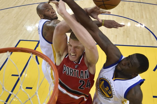 Blazers trade Mason Plumlee to Nuggets for Jusuf Nurkic, first-round pick