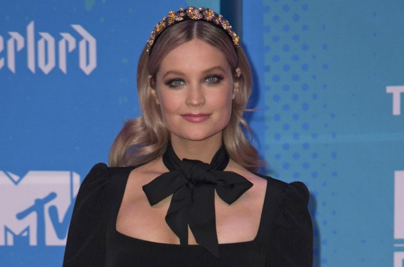 Laura Whitmore to host 'Love Island' Season 6