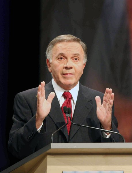 Rep. Tom Tancredo (R-CO) speaks at the Des Moines Register Republican Presidential Debate in Johnston, Iowa on December 12, 2007. This debate is the last before the Iowa caucuses. (UPI Photo/Andrea Melendez/POOL)