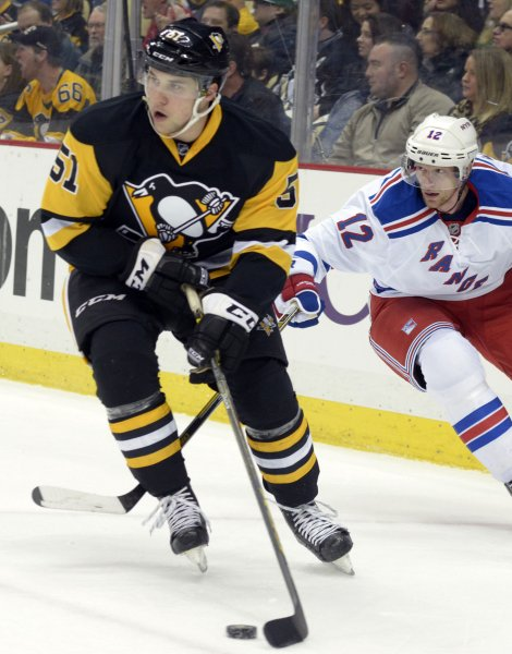 Vancouver Canucks acquire Derrick Pouliot from Pittsburgh Penguins