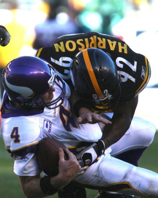 Pittsburgh Steelers James Harrison (92) sacks Minnesota Vikings quarterback Brett Favre (4) during the fourth quarter at Heinz Field during on October 25, 2009. UPI Photo/Stephen Gross
