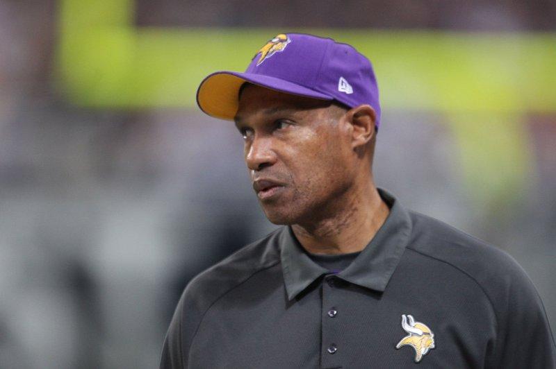 Baltimore Ravens Hire Leslie Frazier To Coach Secondary