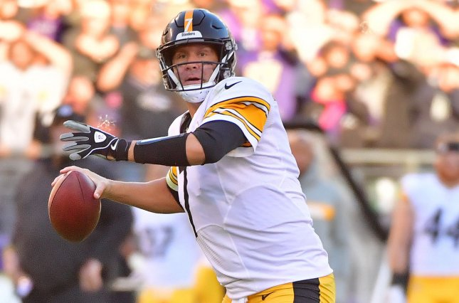 Pittsburgh Steelers quarterback Ben Roethlisberger (7) looks to pass against the Baltimore Ravens in the fourth quarter on November 4, 2018 at M&T Bank Stadium in Baltimore, Maryland. Photo by Kevin Dietsch/UPI