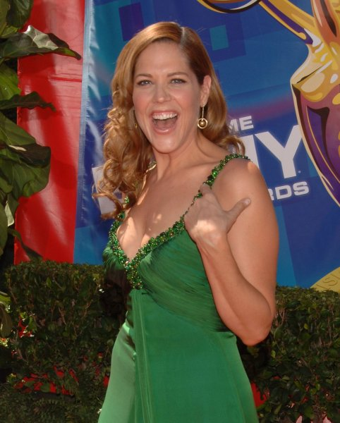 ****CAPTION CORRECTION****Mary McCormack arrives for the 58th annual Primetime Emmy awards at the Shrine Auditorium in Los Angeles, California on August 27, 2006. (UPI Photo/Jim Ruymen)