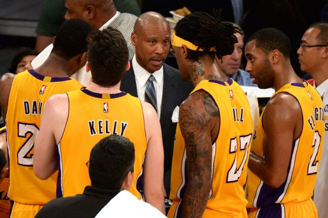 Los Angeles Lakers head coach Byron Scott speaks to the Kobe Bryant-less team during game against the Orlando Magic of their NBA game at Staples Center in Los Angeles, January 9, 2015. The Lakers beat the Magic 101-84. UPI/Jon SooHoo