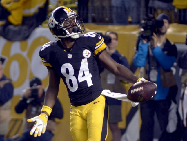 Pittsburgh Steelers wide receiver Antonio Brown (84) reacts after being receiving a penalty for unsportsmenlike conduct for excessive celebration following his touchdown in the first quarter at Heinz Field in Pittsburgh on October 2, 2016. Photo by Archie Carpenter/UPI