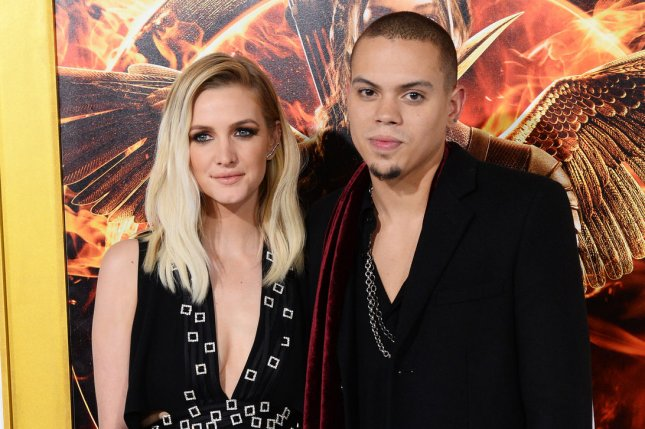 Ashlee Simpson and her husband, actor Evan Ross were spotted soaking up in the sun in Mexico over the weekend. Photo by Jim Ruymen/UPI