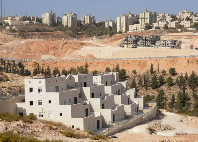 An overview of new Jewish housing units in the Pisgat Zeev Settlement, north of Jerusalem, in the West Bank , November 5, 2013. Israeli Prime Minister Benjamin Netanyahu announced that Israel will build 5,000 new housing units in East Jerusalem and the West Bank, after releasing 26 Palestinian prisoners. The Palestinians see Israeli settlements as a major obstacle in the peace negotiations. UPI/Debbie Hill