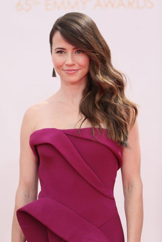 Linda Cardellini will star alongside Will Ferrell and Mark Wahlberg in 'Daddy's Home.' (UPI/Danny Moloshok)