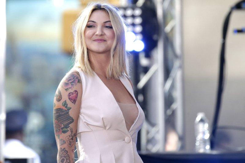 'Issues' singer Julia Michaels splits from Lauv