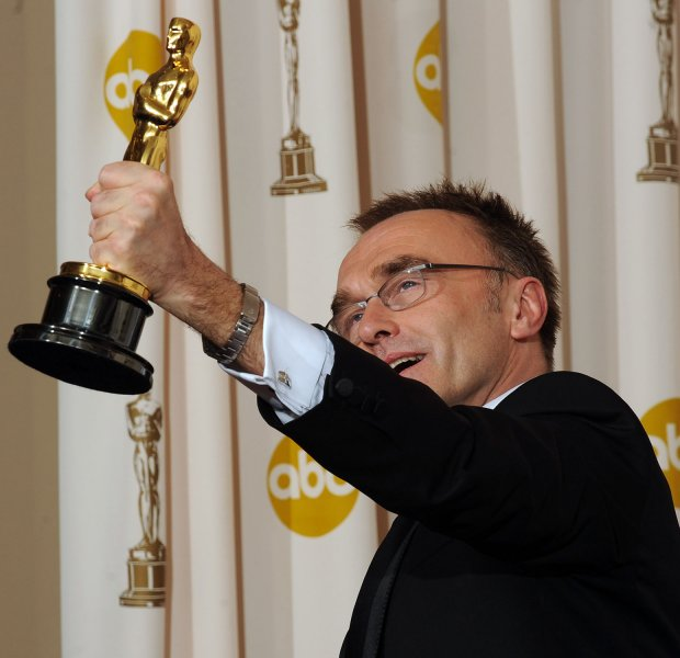 Director Danny Boyle holds his Oscar for best director for his film Slumdog Millionaire backstage at the 81st Academy Awards in Hollywood on February 22, 2009. (UPI Photo/Jim Ruymen)