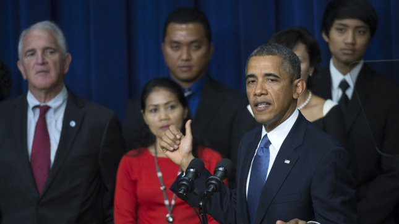 Obama touts economy, slams Republicans