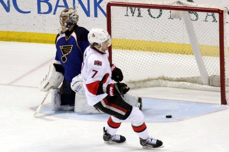Ottawa Senators' Kyle Turris (7) scores. UPI/Rob Cornforth