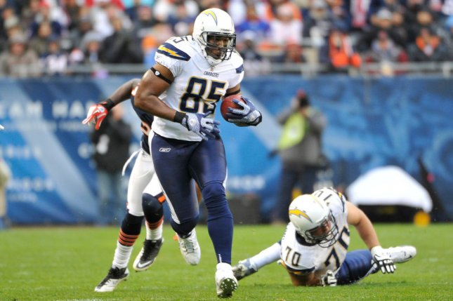 Los Angeles Chargers tight end Antonio Gates (85) runs after a catch for an 18-yard gain during the first quarter on November 20, 2011 against the Chicago Bears at Soldier Field in Chicago. File photo by Brian Kersey/UPI