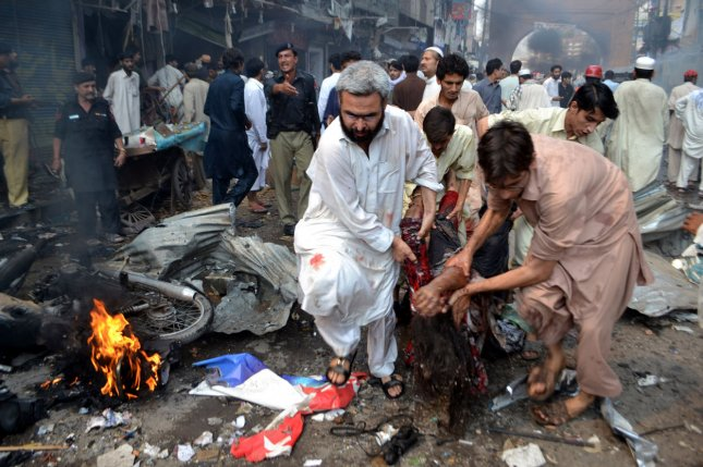 suicide bombing in pakistan causes The pakistani taliban have claimed responsibility for tuesday's suicide attack which left at least 20 people dead in peshawar, a city in the country's northwest.