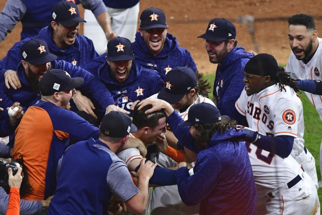 finest selection 27c47 6f95c World Series: Houston Astros outlast Los Angeles Dodgers in ...