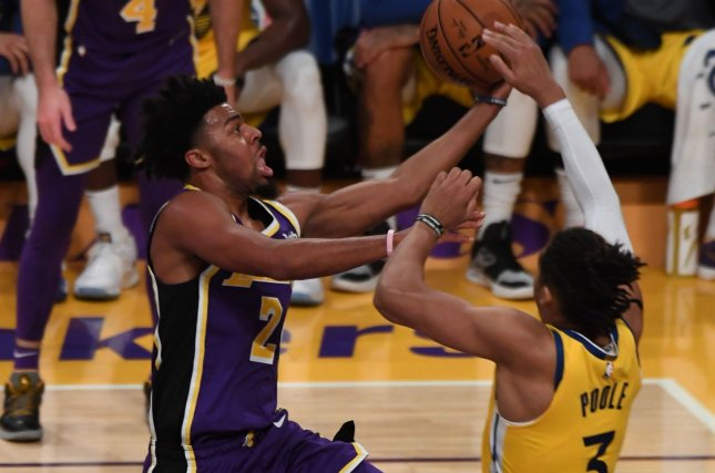Los Angeles Lakers guard Quinn Cook (L) will change his jersey number from No. 2 to No. 28. File Photo by Jon SooHoo/UPI