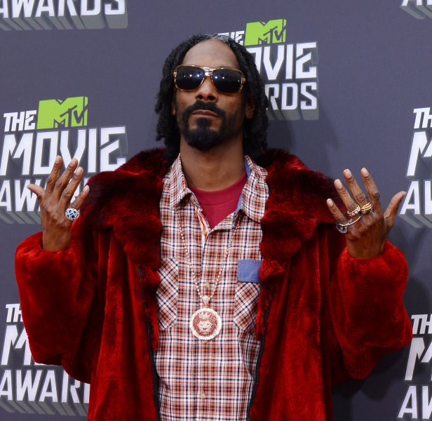 Rapper Snoop Dogg Arrives For The Mtv Movie Awards At Sony Picture Studios In Culver City California On April 14 2013 Upi Jim Ruymen License P O