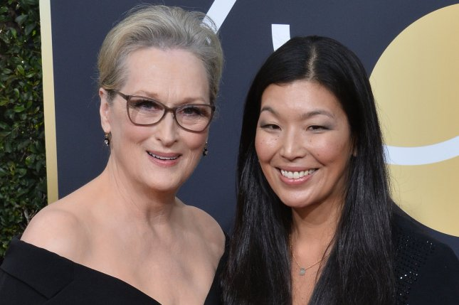 Kelly Clarkson Had Best Time Meeting Meryl Streep at the Golden Globes