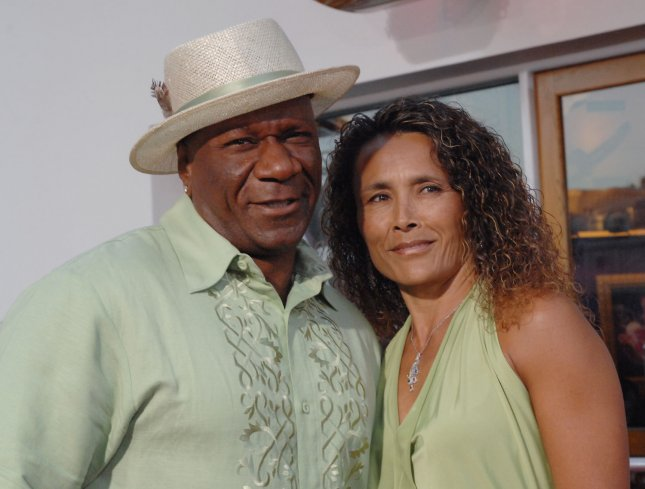 Cast member Ving Rhames (L) and his wife Deborah Reed attend the premiere of the motion picture comedy I Now Pronounce You Chuck and Larry in Universal City, California on July 12, 2007. (UPI Photo/Jim Ruymen)