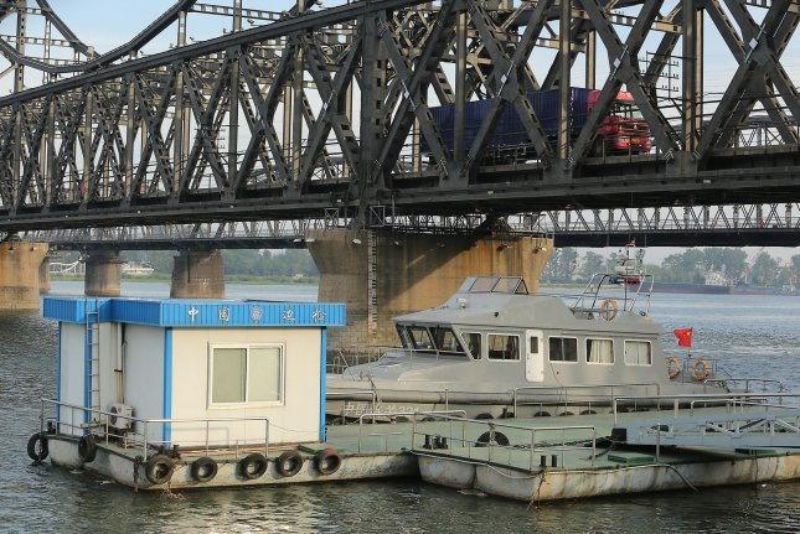 Truck accident on sinking North Korea bridge suspends traffic