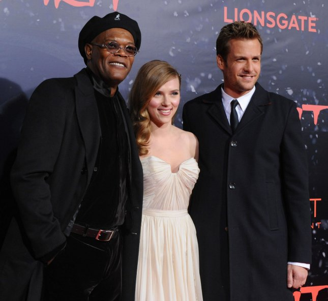Samuel L. Jackson, Scarlett Johansson and Gabriel Macht (L-R), cast members in the motion picture thriller The Spirit, attend the premiere of the film at Grauman's Chinese Theatre in the Hollywood section of Los Angeles on December 17, 2008. (UPI Photo/Jim Ruymen)