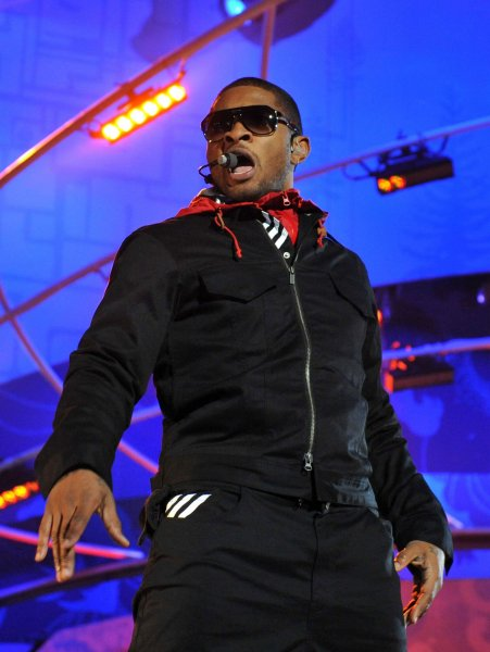 Recording artist Usher performs at a victory ceremony during the 2010 Vancouver Winter Olympics in Whistler, Canada on February 27, 2010. UPI/Kevin Dietsch