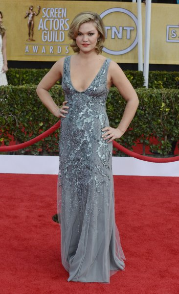 Julia Stiles will guest star on Fox series 'The Mindy Project.' (UPI/Phil McCarten)
