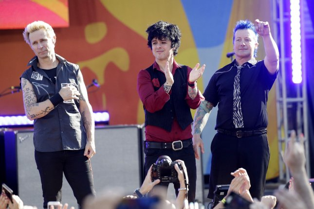 Green Day Announces Greatest Hits Album God S Favorite Band For