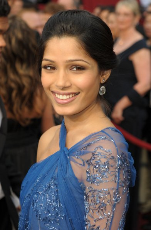 Freida Pinto from Slumdog Millionaire arrives at the 81st Academy Awards in Hollywood on February 22, 2009. (UPI Photo/ Roger L. Wollenberg)