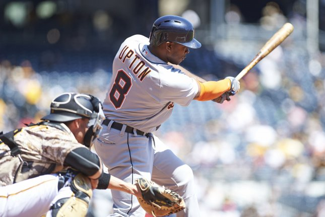 Tigers power past Royals 7-3