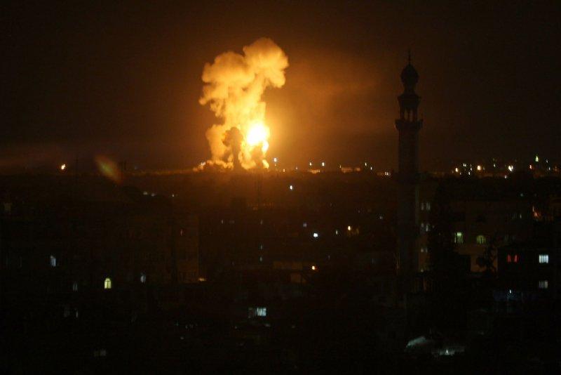 Airstrikes, gunfire kill Hamas commander, 4 others in Gaza