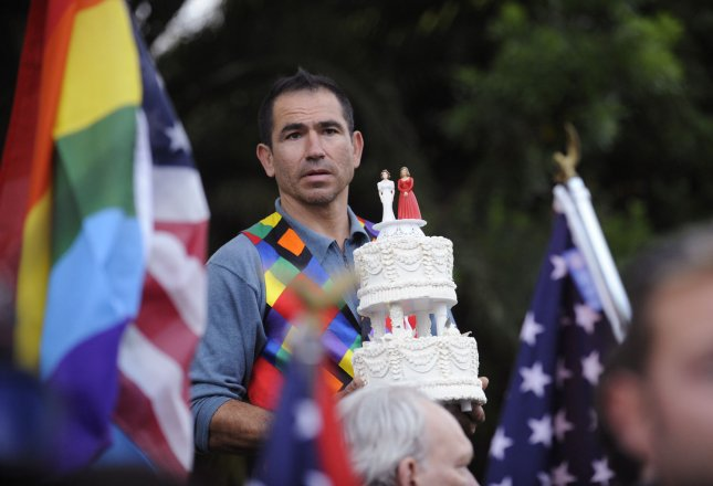 Supporters of same sex marriage gather to protest outside of a Democratic fundraiser attended by U.S. President Barack Obama in Beverly Hills, California on May 27, 2009. (UPI Photo/ Phil McCarten)