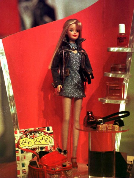 NYP98020902-9 FEBRUARY 1998-NEW YORK, NEW YORK,USA: The new 1998 lean and flat chested Barbie is unveiled under the title of Teen World Barbie at the American International Toy Fair, February 9th. UPI ep/Ezio Petersen
