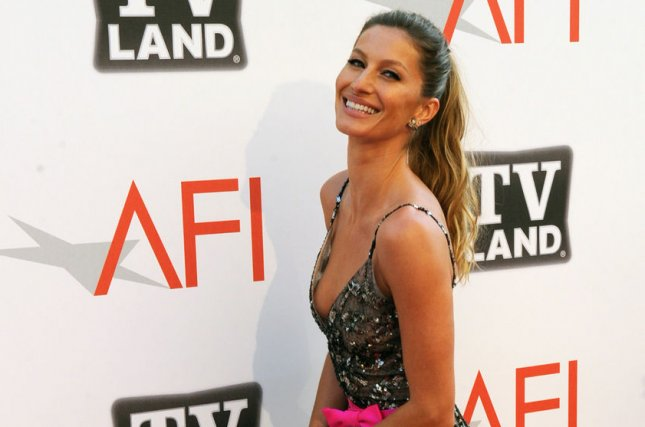 Gisele Bündchen covers Blondie's 'Heart of Glass'