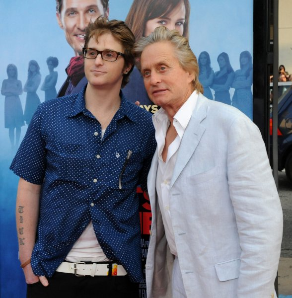 Michael Douglas, a cast member in the romantic comedy motion picture Ghosts of Girlfriends Past, attends the premiere of the film with his son Cameron at Grauman's Chinese Theatre in the Hollywood section of Los Angeles on April 27, 2009. (UPI Photo/Jim Ruymen)