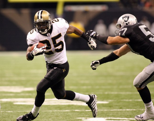 New Orleans Saints running back Reggie Bush (25), shown during a game against the Oakland Raiders Oct. 12, 2008. (UPI Photo/A.J. Sisco)