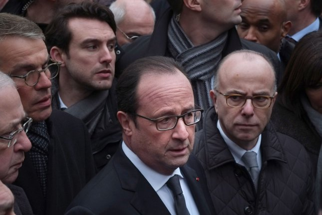 France deploys 10,000 troops, protects Jewish sites
