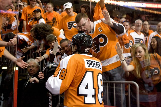 Philadelphia Flyers center Danny Briere is cheered by adorning fans as he leave the ice after the Philadelphia Flyers defeated the Buffalo Sabres in game 7 at the Wells Fargo Center in Philadelphia April 26, 2011. Philadelphia defeated Buffalo 5-2, . UPI/Eileen Angelino