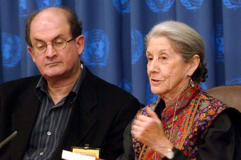 Nadine Gordimer, Nobel Prize-winning author, dies at 90