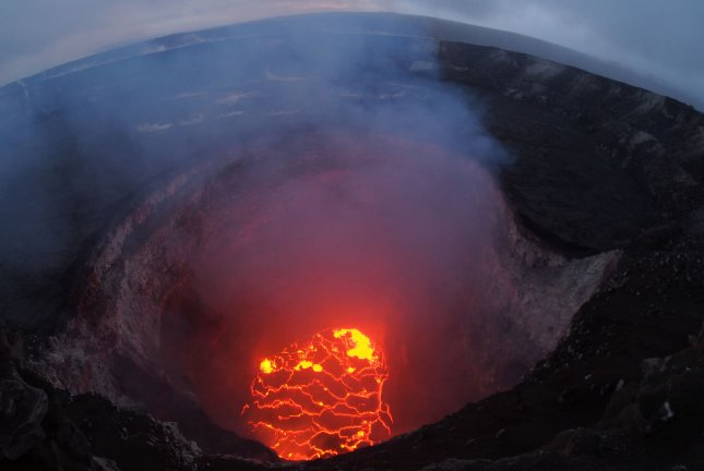 What are phreatic eruptions? Are they occurring in Hawaii?