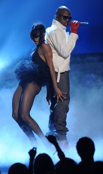 Ne-Yo performs She Got Her Own, at the 9th annual BET Awards in Los Angeles on June 28, 2009. (UPI Photo/Jim Ruymen)