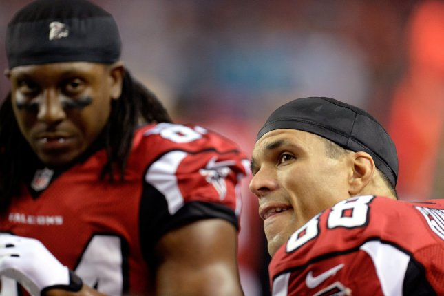 Falcons all-time leading receiver White officially retires