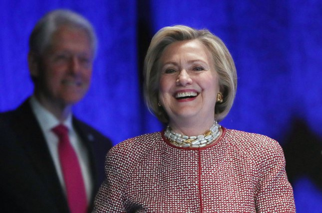 Judge delays legal challenge by conservative group over Clinton emails
